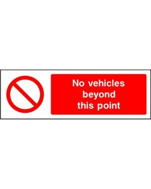 SSPROHA0013 | Prohibition: no vehicles beyond this point