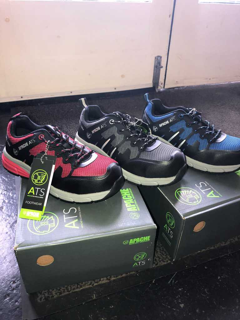 Metal Free Lightweight Safety Trainers!